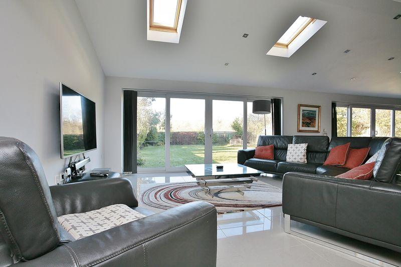 Heath Close Milcombe