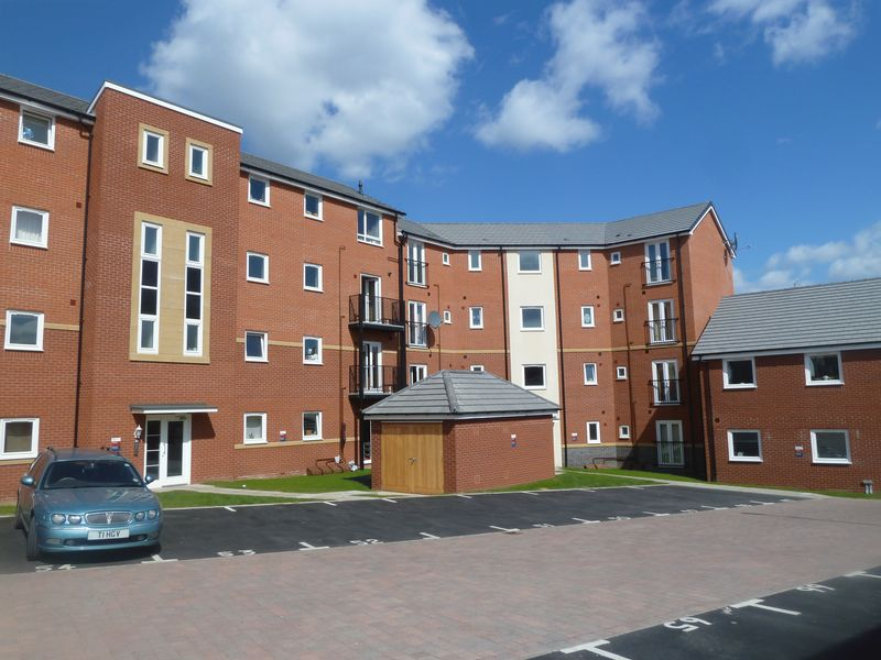 2 Bedrooms Flat for sale in Cape Hill, Smethwick
