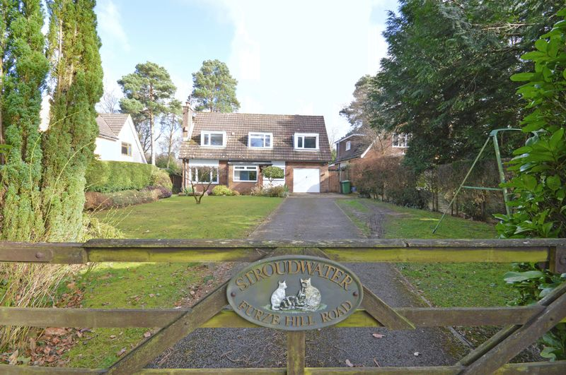 5 Bedrooms Detached House for sale in Furze Hill Road, Headley Down