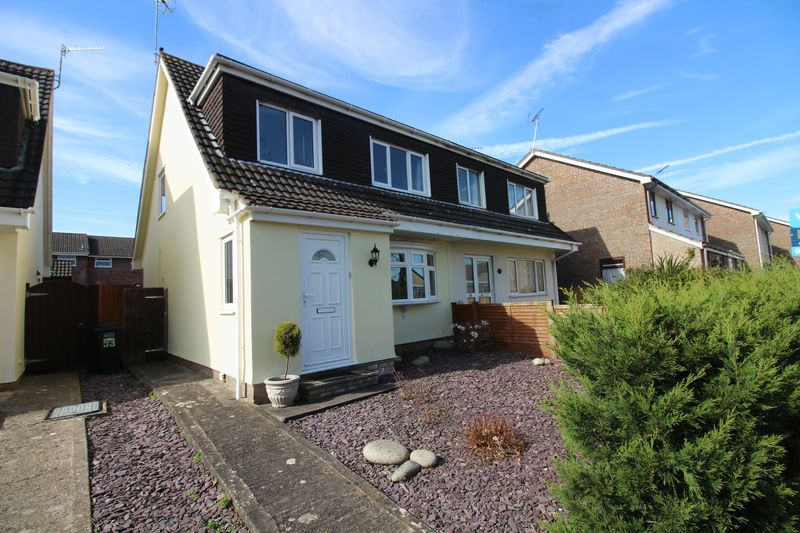 3 Bedrooms Semi Detached House for sale in Trendlewood Way, Nailsea