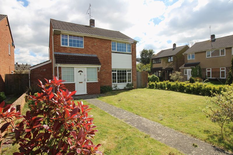4 Bedrooms Detached House for sale in Dunster Gardens, Nailsea