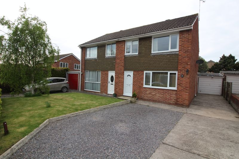 3 Bedrooms Semi Detached House for sale in Porlock Gardens, Nailsea