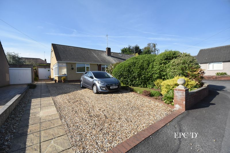2 Bedrooms Semi Detached Bungalow for sale in WINTERBOURNE