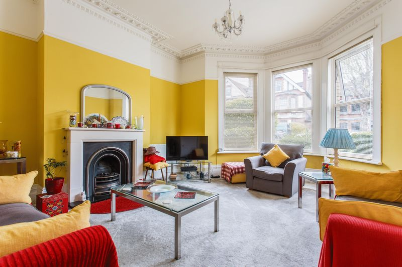 2 Bedrooms Flat for sale in Wilbury Gardens, Hove