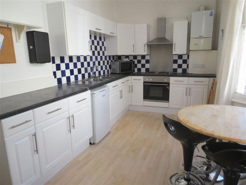 6 Bedrooms House for rent in Roundhill Crescent, Brighton