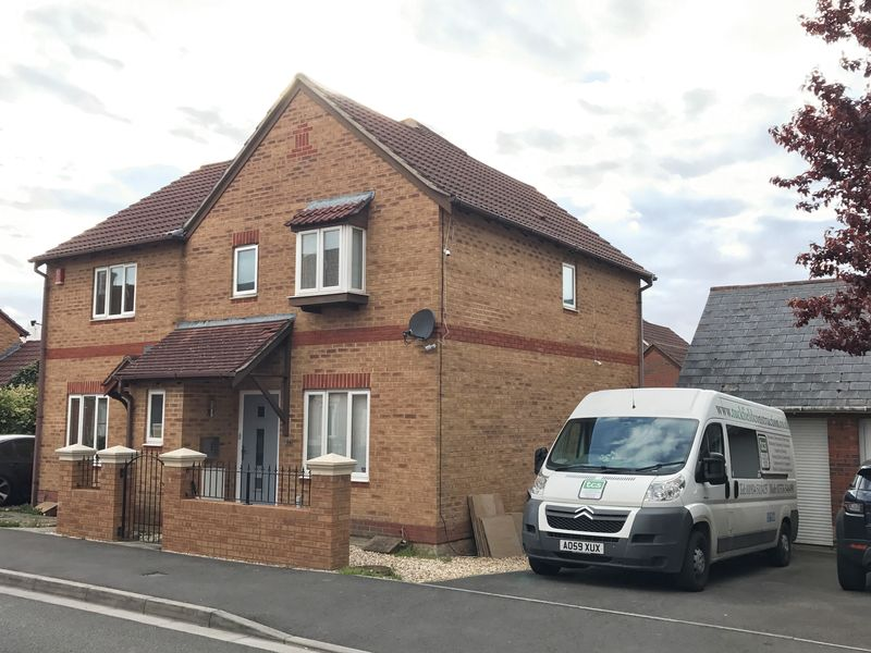 3 Bedrooms Semi Detached House for sale in Bransby Way, Weston-super-Mare