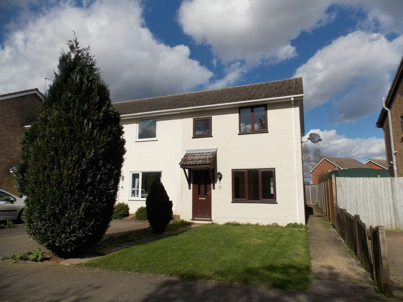 3 Bedrooms Terraced House for sale in School Road, Thurston