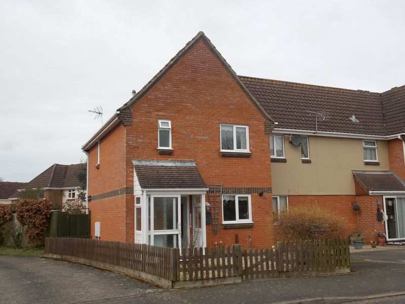 3 Bedrooms Terraced House for sale in New Green Avenue, Thurston
