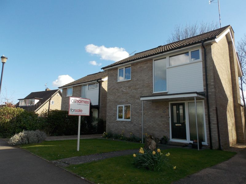 4 Bedrooms Detached House for sale in Constable Road, Bury St Edmunds