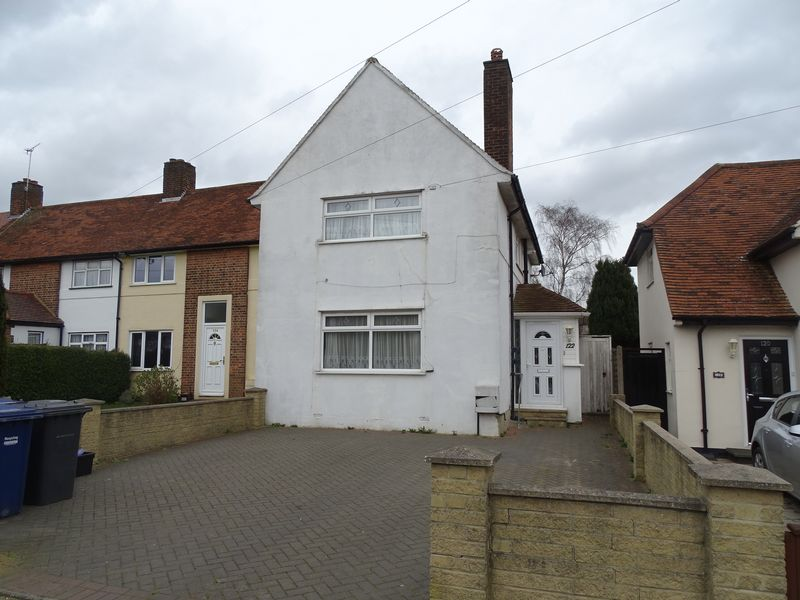 3 Bedrooms Terraced House for sale in Chesterfield Road, Barnet