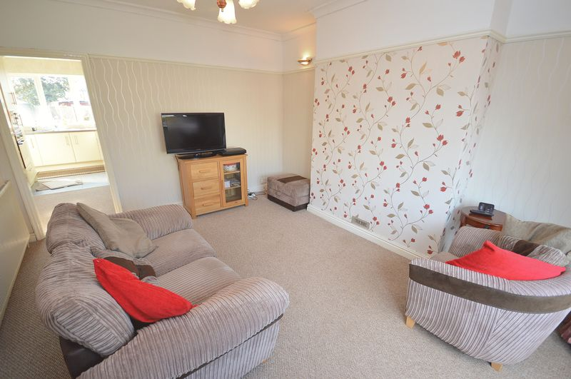 3 Bedrooms Semi Detached House for sale in Ditchfield Road, Widnes