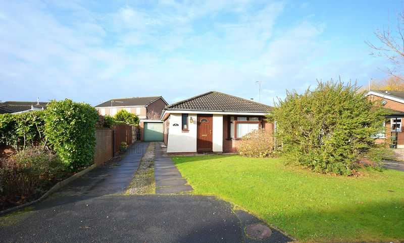 2 Bedrooms Detached Bungalow for sale in Burnsall Drive, Widnes