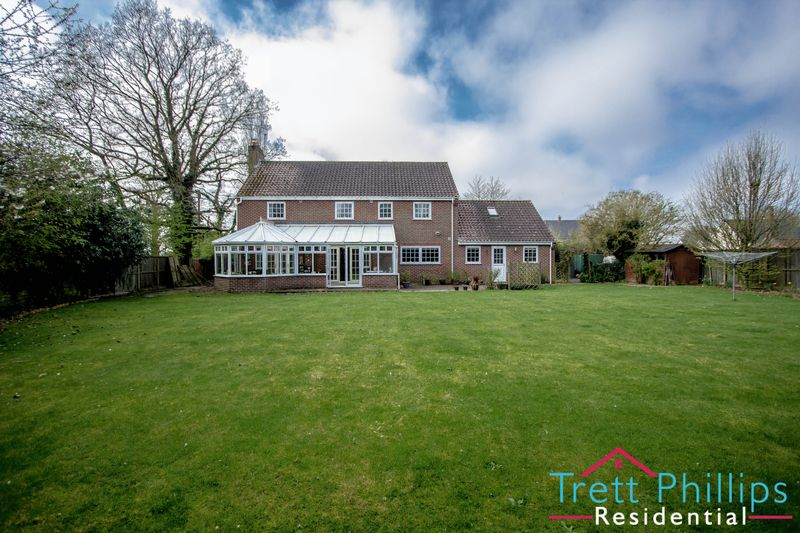5 Bedrooms Detached House for sale in Market Street, Tunstead