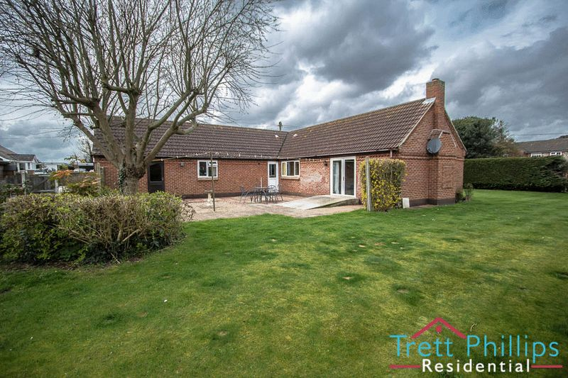 3 Bedrooms Detached Bungalow for sale in Eden Close, Norwich