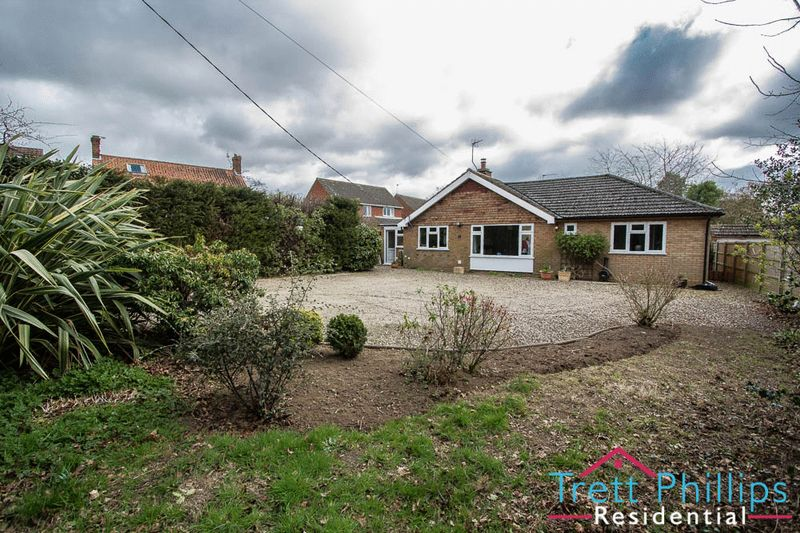 4 Bedrooms Detached Bungalow for sale in The Avenue, Horning