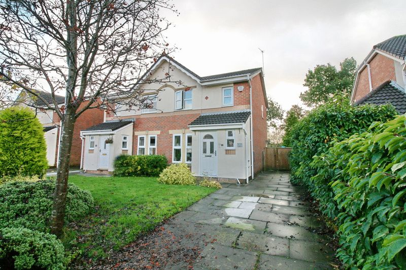 3 Bedrooms Semi Detached House for sale in Godmond Hall Drive, Boothstown Worsley Manchester