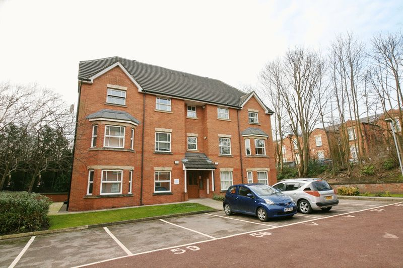 2 Bedrooms Flat for sale in Royal Court Drive, Bolton
