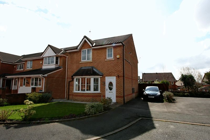3 Bedrooms Detached House for sale in Greenhaven Close, Worsley Manchester