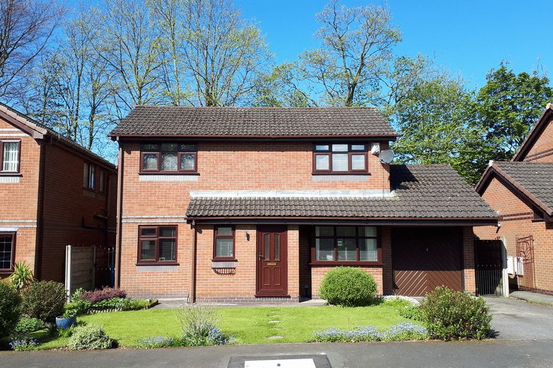 3 Bedrooms Detached House for sale in Beckside Tyldesley Manchester