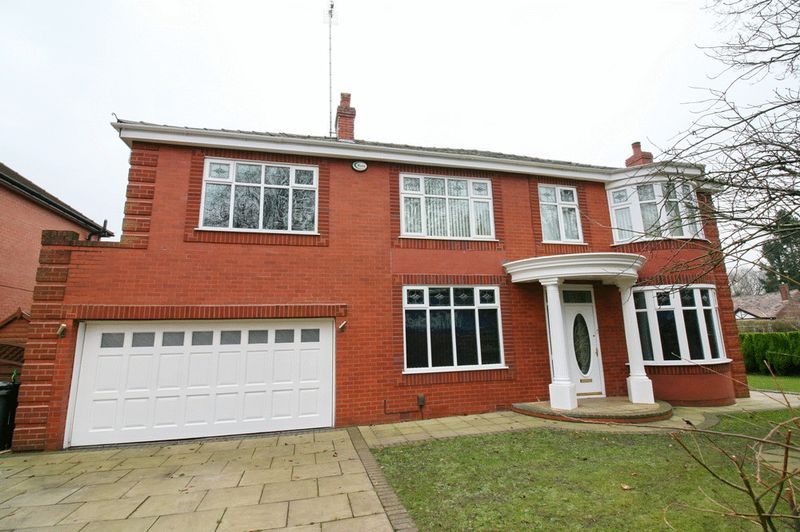 4 Bedrooms Detached House for sale in Worsley Road, Worsley Manchester