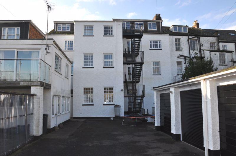 10 Louisa Terrace