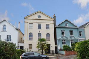 9 Clifton Hill Newtown