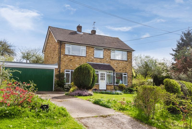 4 Bedrooms Detached House for sale in Brindle Lane, Beaconsfield