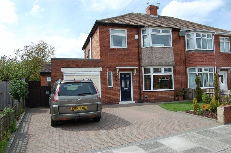 3 Bedrooms Semi Detached House for sale in **RARE TO THE MARKET** Stokesley Grove, Newcastle Upon Tyne
