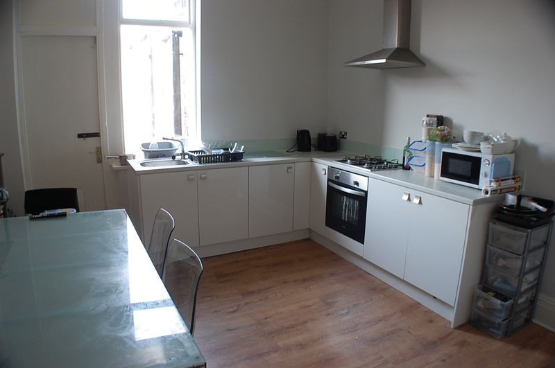** Bills Included ** Chillingham Road, H...