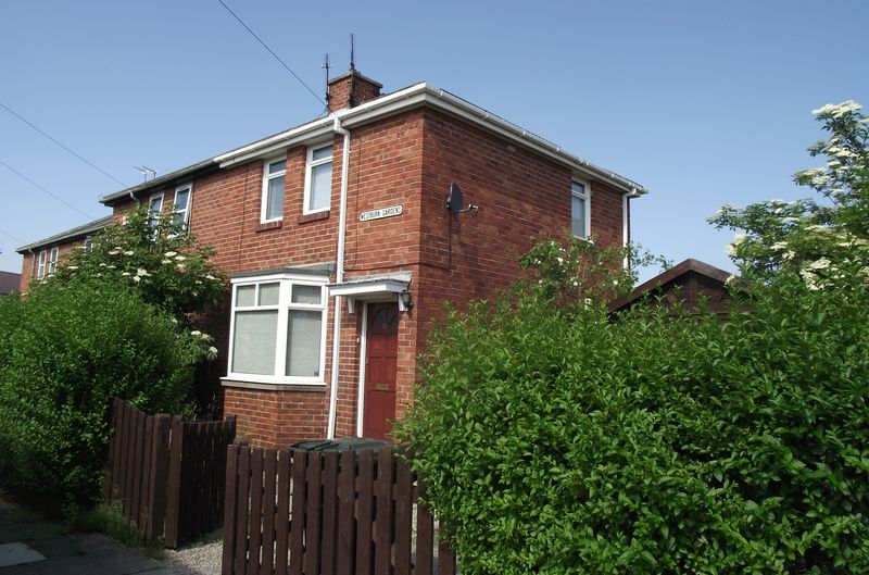 ** Spacious 2 Bed House With Garden And ...