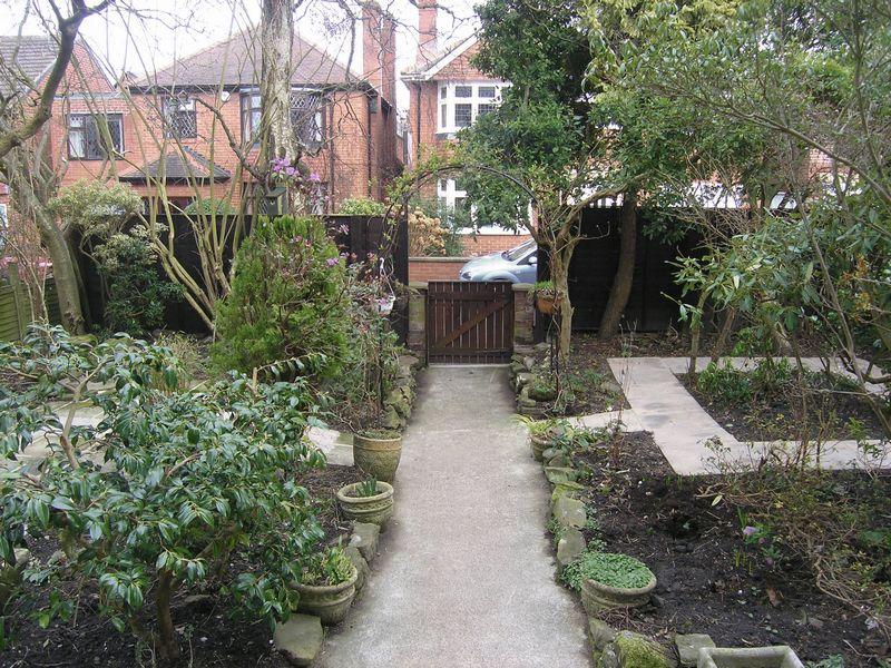 Queens Gardens Benton