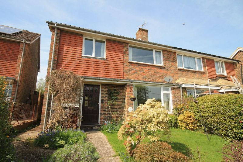 3 Bedrooms Semi Detached House for sale in Butts Meadow, Wisborough Green