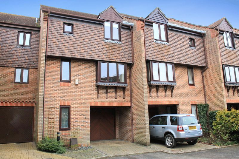 2 Bedrooms House for sale in The Willows, Pulborough