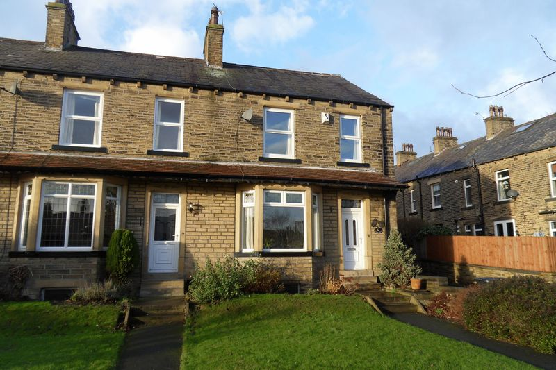 3 Bedrooms Terraced House for sale in Haddon Avenue, Skircoat Green,Halifax