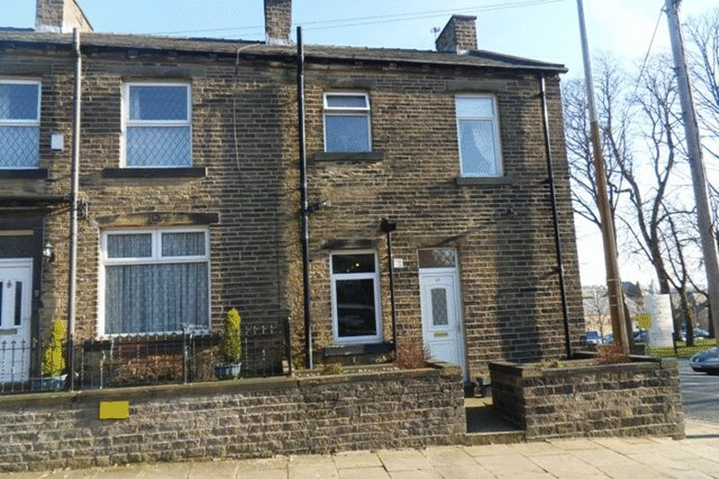 3 Bedrooms Terraced House for sale in Stafford Parade, Skircoat Green, Halifax