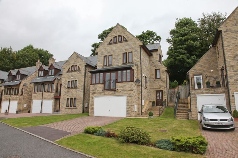 Stonecroft Mount, Sowerby Bridge, HX6