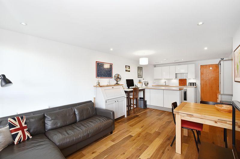 1 Bedroom Flat for sale in Seren Park Gardens, Blackheath, SE3