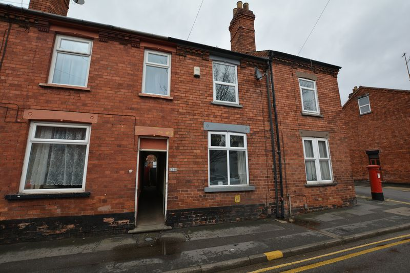 2 Bedrooms Terraced House for sale in Winn Street, Lincoln