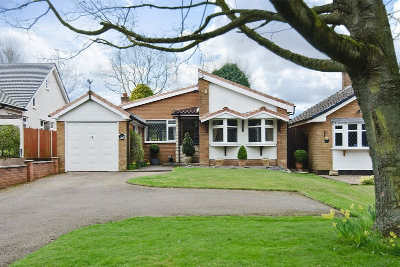 2 Bedrooms Detached Bungalow for sale in Burntwood Road, Hammerwich, Burntwood