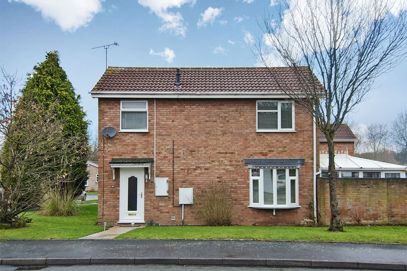 3 Bedrooms Detached House for sale in Stagborough Way, Hednesford, Cannock