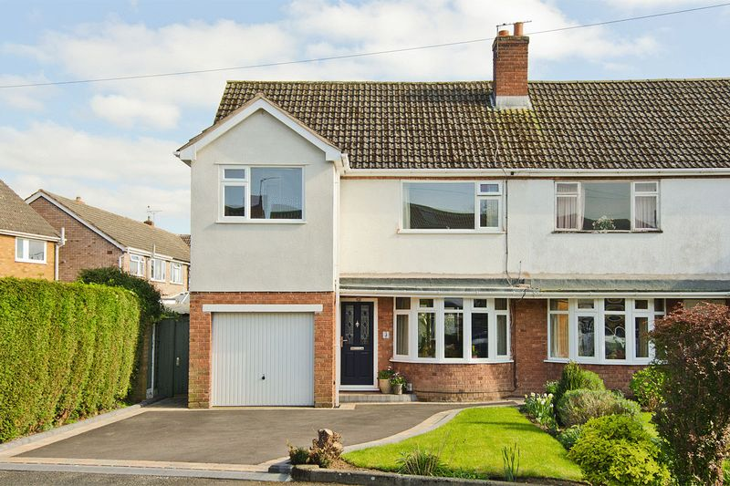 3 Bedrooms Semi Detached House for sale in Barley Croft, Whittington, Lichfield