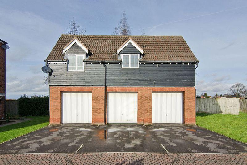 1 Bedroom Flat for sale in Hewitt Close, Fradley