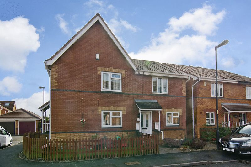 2 Bedrooms Semi Detached House for sale in Kenilworth Crescent, Walsall