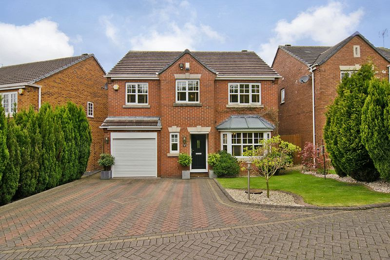 5 Bedrooms Detached House for sale in Adelaide Drive, Wimblebury, Cannock
