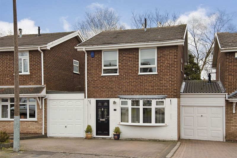 3 Bedrooms Detached House for sale in Knight Road, Burntwood