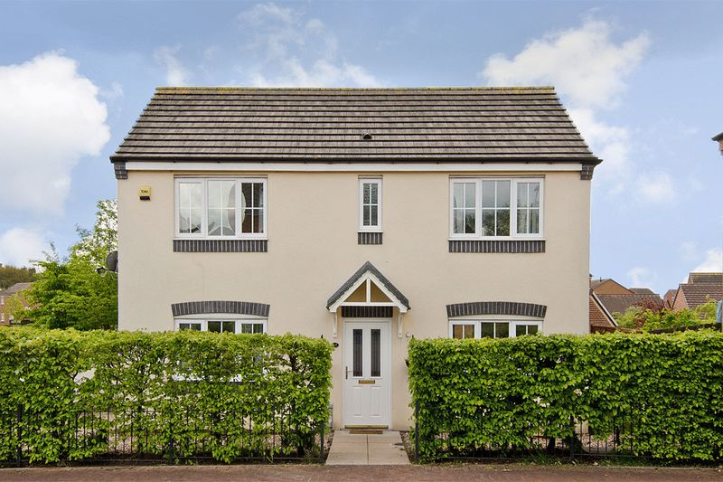 3 Bedrooms Detached House for sale in Grouse Way, Heath Hayes, Cannock