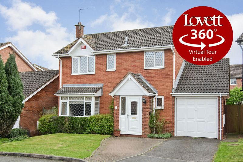 4 Bedrooms Detached House for sale in Carmichael Close, Boley Park, Lichfield