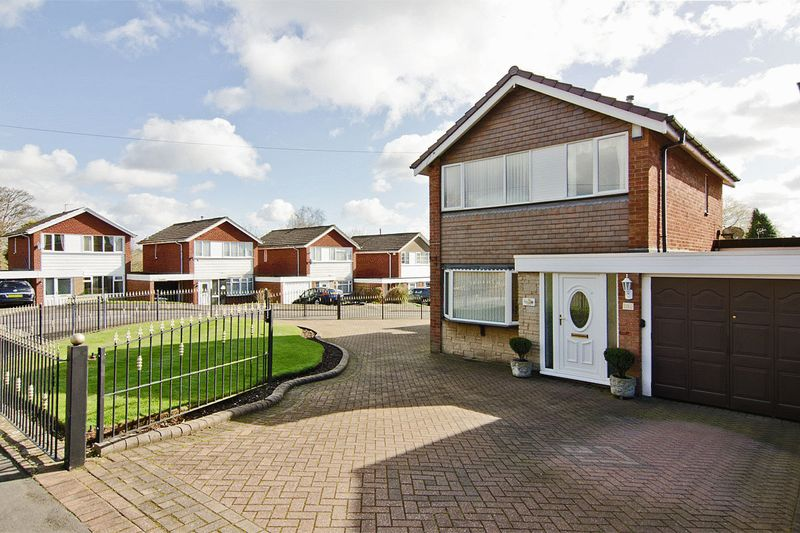 3 Bedrooms Detached House for sale in Whitehorse Road, Brownhills