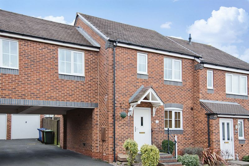3 Bedrooms Semi Detached House for sale in Grouse Way, Heath Hayes