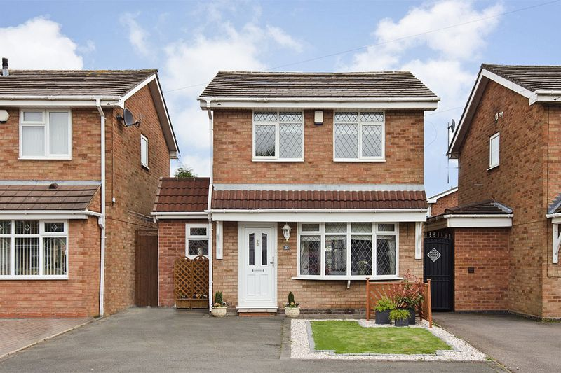 3 Bedrooms Detached House for sale in Lapwing Close, Cheslyn Hay, Walsall